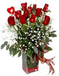 Uşak çiçek siparişi vermek  9 adet mika yada cam vazoda gül tanzimi kalp çubuk