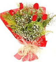 Uşak anneler günü çiçek yolla  5 adet kirmizi gül buketi demeti