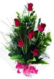 Uşak güvenli kaliteli hızlı çiçek  5 adet kirmizi gül buketi hediye ürünü