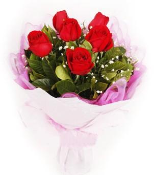 Uşak hediye sevgilime hediye çiçek  kırmızı 6 adet gülden buket