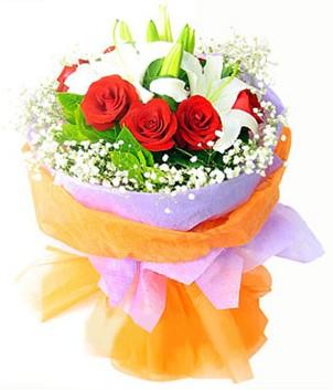 Uşak çiçek gönderme sitemiz güvenlidir  1 dal kazablanka 7 adet kırmızı gül buketi