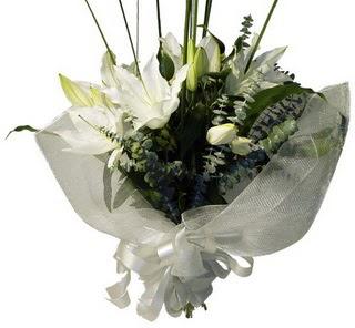 Uşak çiçekçi mağazası  2 dal kazablanka çiçek buketi