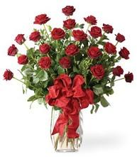 Sevgilime sıradışı hediye güller 24 gül  Uşak 14 şubat sevgililer günü çiçek