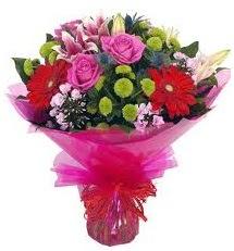 Karışık mevsim çiçekleri demeti  Uşak online çiçek gönderme sipariş