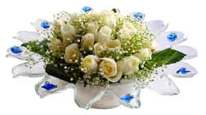 Uşak çiçek online çiçek siparişi  11 adet Beyaz güller özel cam tanzim