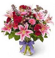 Vazo içerisinde karışık mevsim çiçeği  Uşak çiçek siparişi sitesi