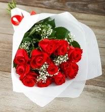 9 kırmızı gülden buket çiçeği  Uşak çiçek gönderme