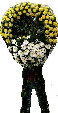 Cenaze çiçek modeli  Uşak internetten çiçek siparişi