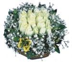 Uşak çiçekçiler  Beyaz harika bir gül sepeti