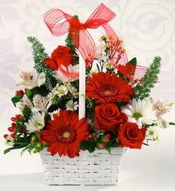 Karışık rengarenk mevsim çiçek sepeti  Uşak internetten çiçek siparişi