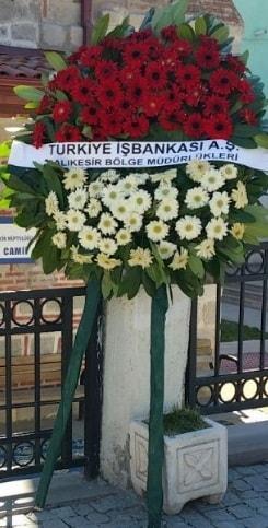 Cenaze çiçek modeli  Uşak hediye sevgilime hediye çiçek