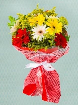 Karışık Gelbera Buketi  Uşak çiçek siparişi sitesi