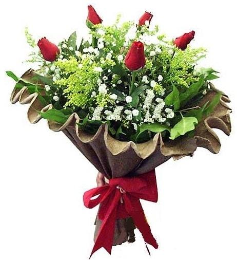 5 adet gülden buket  Uşak çiçek gönderme sitemiz güvenlidir
