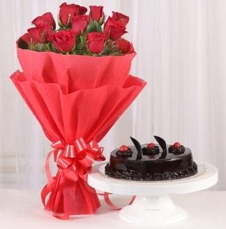 10 Adet kırmızı gül ve 4 kişilik yaş pasta  Uşak internetten çiçek satışı