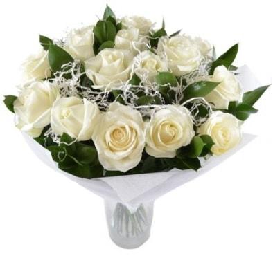 15 beyaz gül buketi sade aşk  Uşak çiçek satışı