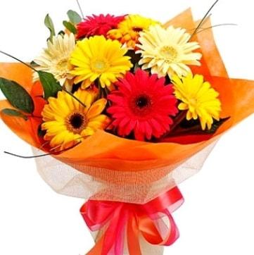 9 adet karışık gerbera buketi  Uşak çiçek , çiçekçi , çiçekçilik